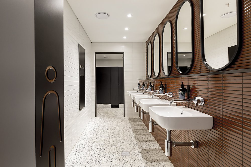 Ultimo 44 bay_bathroom_1000px_w